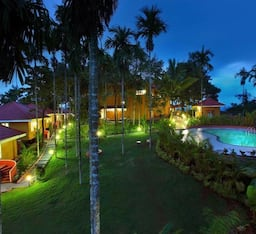 Hotel Karapuzha Village Resort