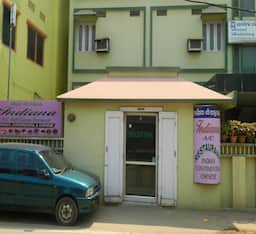 Hotel Holiday House, Puri