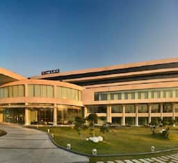 Hotel The Lalit Chandigarh