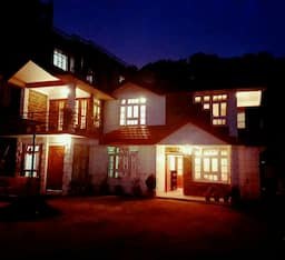 Hotel Twin Beds, Private Room at Magnolia B&B, Golf Links, Shillong, India. , Shillong