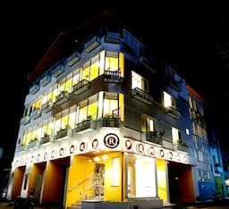 Hotel Raj Residency