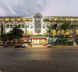 Hotel Treebo Suresh Plaza , Nashik