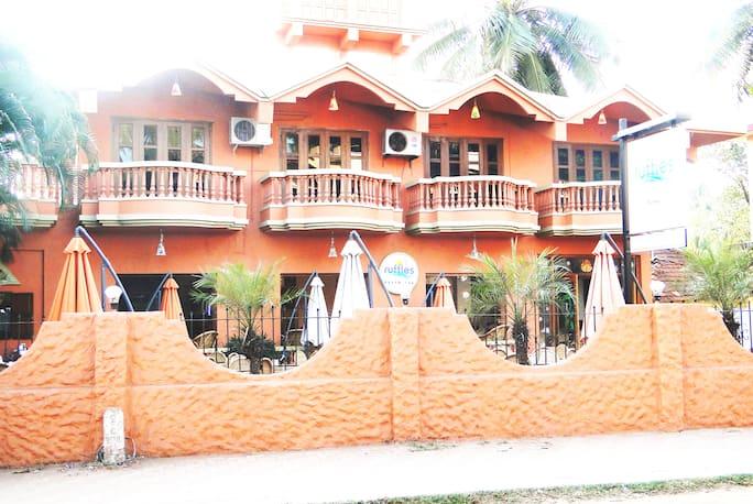 Ruffles Beach Resort Candolim