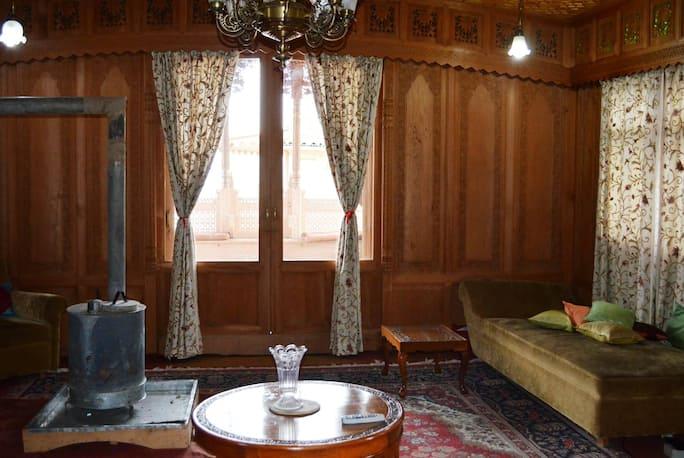 Peacock Houseboats in Srinagar - Book Room 2100/night