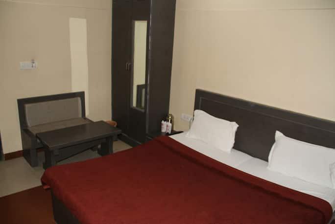 Adb Rooms Hotel D Dice in Agra - Book Room 2400/night