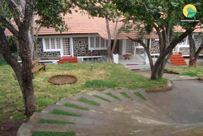10 br farmhouse for group stay