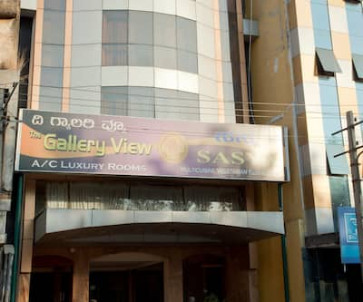 The Gallery View Hotel, Ashoka Road,