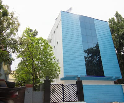 Cloud Nine Service Apartment,Chennai
