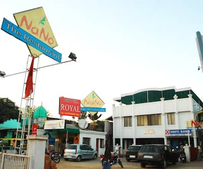 Hotel Royal, Sarkhej Gandhinagar Highway,