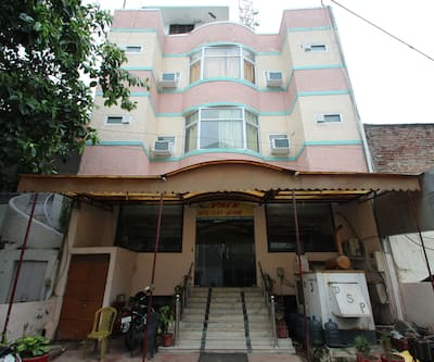 Hotel Viren Holiday Home,Agra