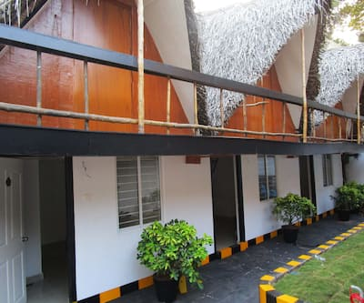 Hutte Royale Pacific,Pondicherry