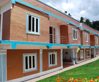 Chitram Cottages,Ooty