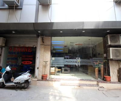 Hotel Poonam International,New Delhi