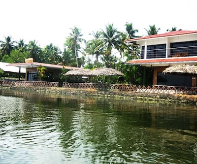 Lake Symphony Resort,Cochin