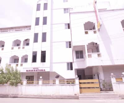 Hotel Navarathna,Pondicherry