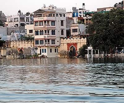 Jheel Guest House,Udaipur