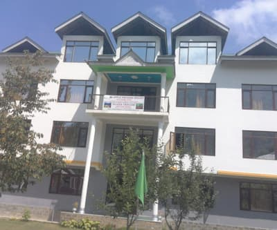 Hotel Apple Orchid Resort,Srinagar