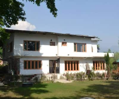 Hotel Chinar Bay,Srinagar