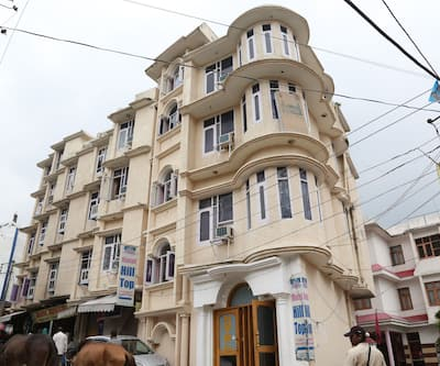 Hotel Hill Top, Main Bazar,