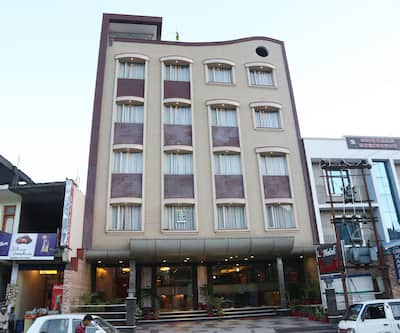 Hotel New Shradha, Railway Road,