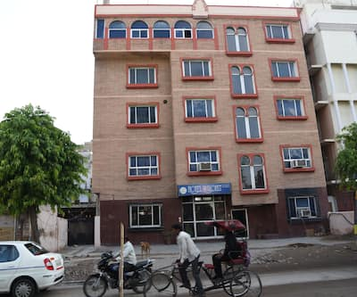 Hotel Purohit, Station Road,