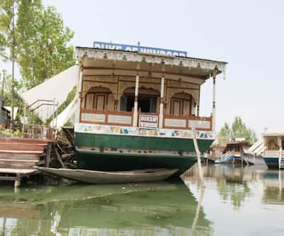 House Boat Duke Of Windsor,Srinagar
