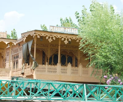 Pleasure Palace House Boat,Srinagar