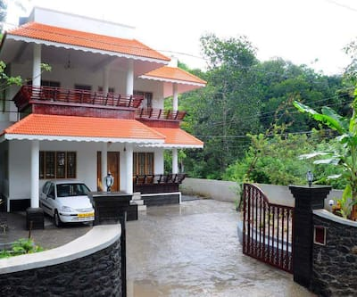 Dean Dale Cottages,Thekkady
