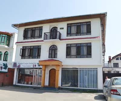 Shafaaf Plaza,Srinagar
