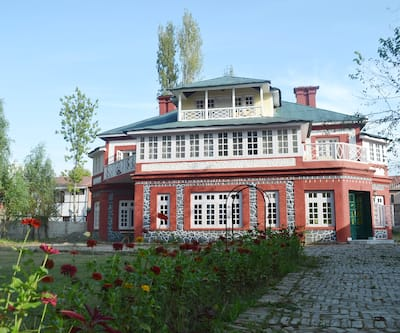 Colonel's Retreat,Srinagar