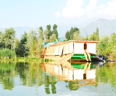 New Mavis Houseboat,Srinagar