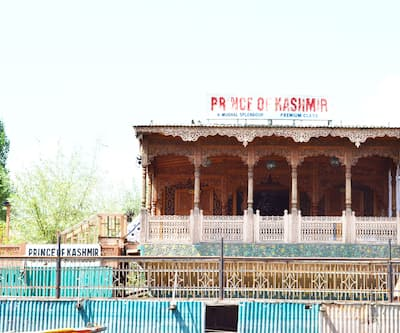 Prince of Kashmir Houseboat,Srinagar