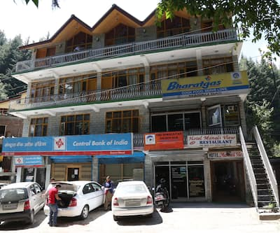 Hotel Manali View, Mall Road,
