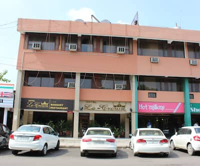 Hotel Le Crown,Chandigarh