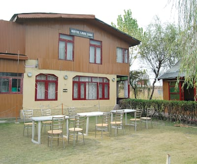 Hotel Lakeside,Srinagar
