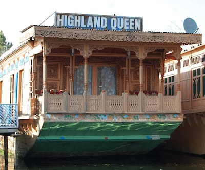 High Land Queen Houseboat, Boulevard road,