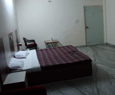 Image 1 Gurunath Lodge Alandi