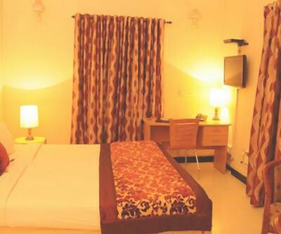Image 1 Guest First Guest House-St. Mary's Road Alwarpet Chennai