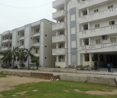Sanskriti Avass Boys Hostel,Noida