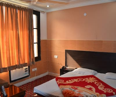 Hotel Red Rose,Jammu
