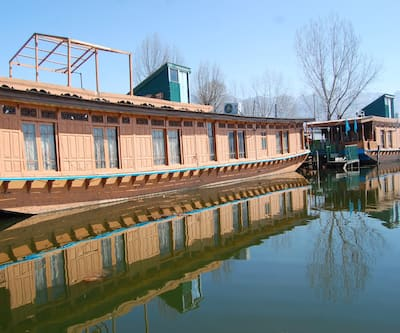 DILSHAD GROUP OF HOUSEBOAT,Srinagar