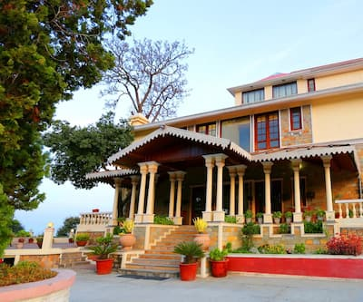 WelcomHeritage Windsor Lodge,Ranikhet