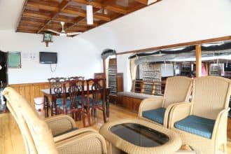 Goldy Deluxe Houseboat,Alleppey