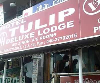 Hotel Tulip Deluxe Lodge,Hyderabad
