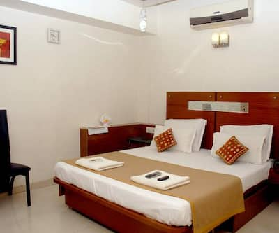 Hotel Happiness, Ring Road,