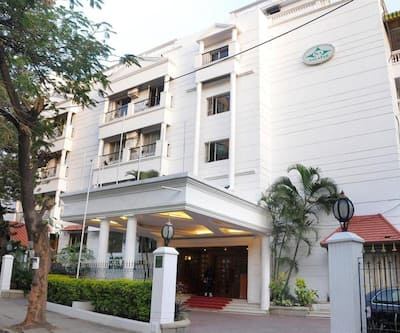 Bangalore International Hotel, High Grounds,