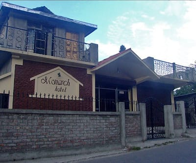 Monarch Hotel & Restaurant,Kalimpong