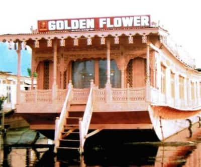 Golden Flower Heritage Houseboat,Srinagar