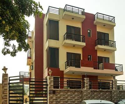 Hotel Top In Town,Noida