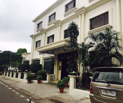 La Place Sarovar Portico - A Sarovar Hotel,Lucknow